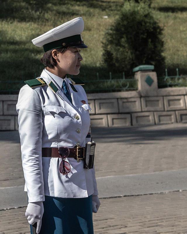 Order. ______________________________________ #everydaydprk #dprk #pyongyang #northkorea #ig_korea #photojournalism #reportage #korea #documentary #insidenorthkorea #humansofpyongyang #urbanphoto #earthpix #igworldclub #StreetView #streetphotography #ig_street