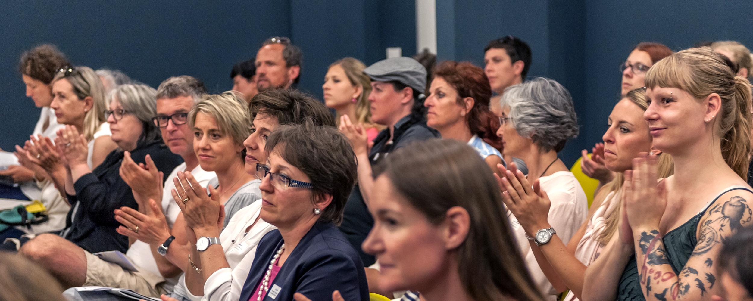 """Publikum beim Lancierungsanlass """"Ästhetische Bildung & Kulturelle Teilhabe – von Anfang an!"""", Foto Kathrin Schulthess,  www.schulthess-foto.ch"""