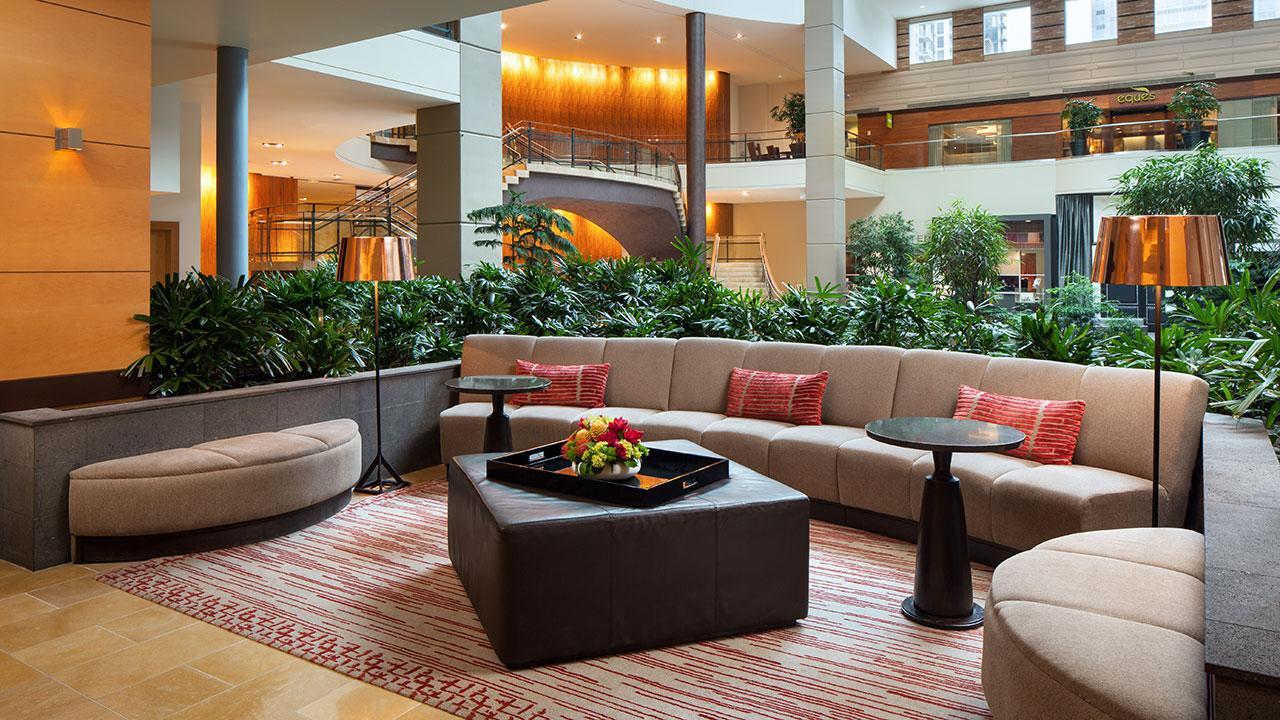 Hyatt-Regency-Bellevue-on-Seattles-Eastside-P169-Lobby-Foyer.gallery-2-3-item-panel.jpg