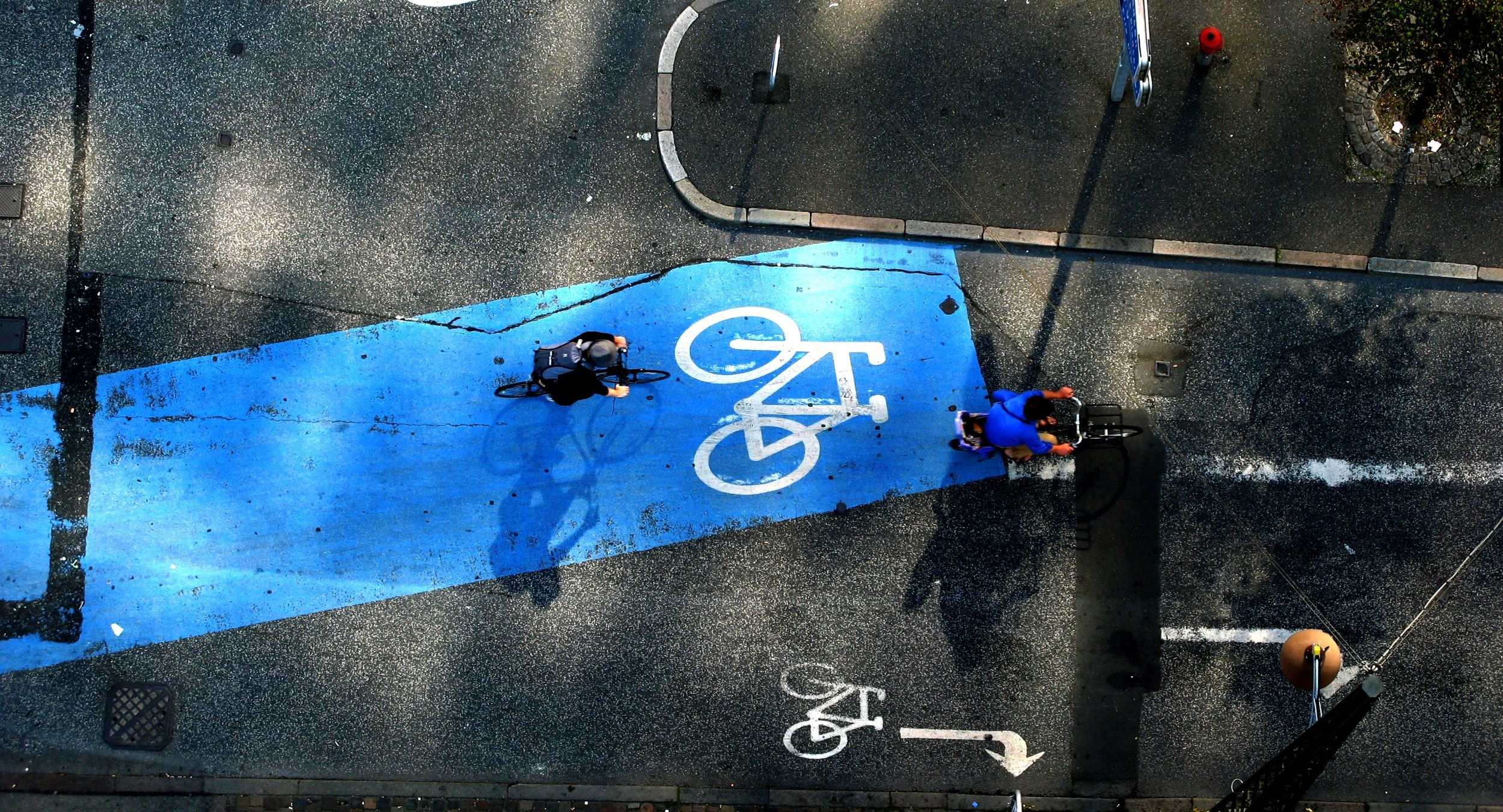 Bicycle Urbanism by Design - Understanding the power of design and the bicycle as solutions for liveable cities