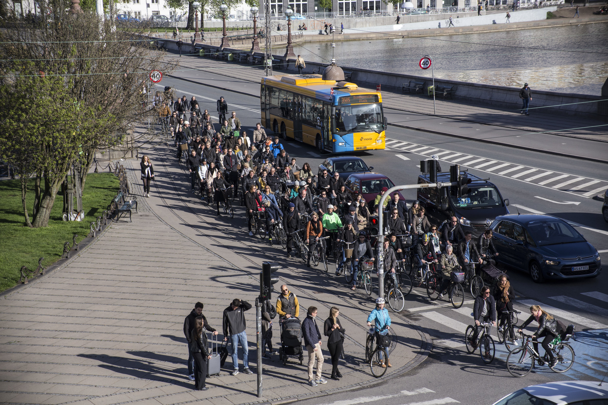 The busiest bicycle intersection in the world. (Image by Copenhagen Cycle Chic)