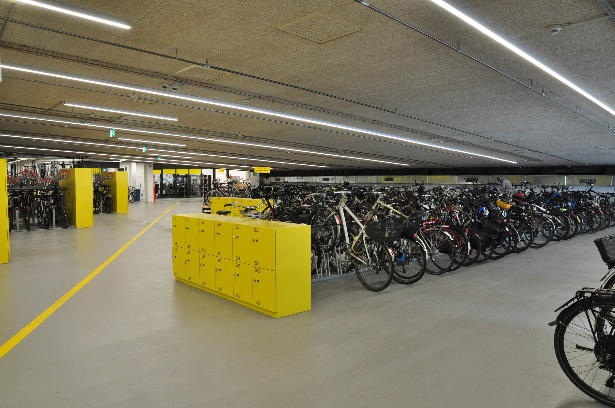 Bern has built some quality spaces for bicycle users, even though almost all of its parking facilities have already reached full capacity.