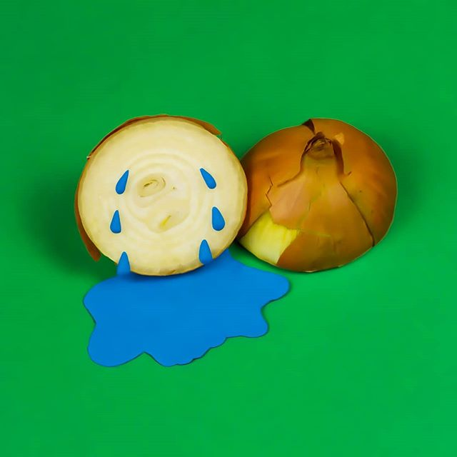 Don't worry, it could have been shallot worse. . . . . . . . #onion #foodphotography #artdirector #tears #crying #dontworry #dontworrybehappy #optimism #food #colourpop #colourful #colorpop #color #colors #vibrant #funny #pun #puns #creativedirection #creativity