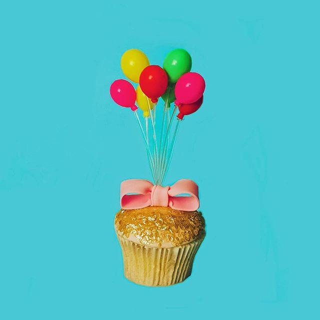 UP-cake . . . . . . . #newwork #cake #cupcake #disney #cupcake #up #pixar #balloons #birthday #happybirthday #birthdaycake #foodphotography #foodstyling #colourfulfood #colorfulfood #artdirection #artdirector #creativedirection #dessert #confectionery #cakedecorating