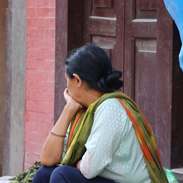 Thinking & Morning • • • #travelphotograpghy #nepal #oldpatan #kathmandu #asia #oldpatendurbarsquare #marketphotography #streetphotography #lady #contemplation #thinking
