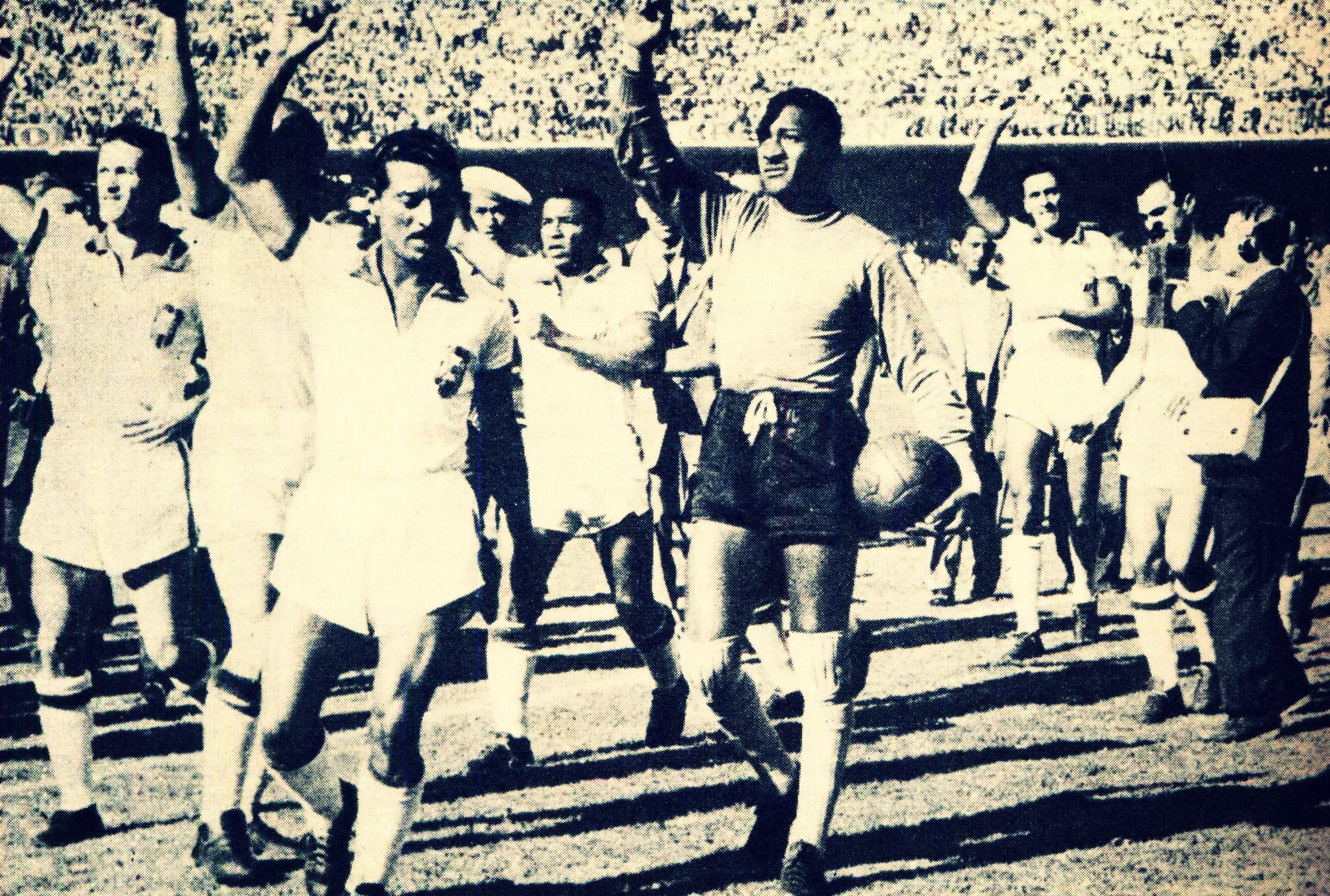 1950-fifa-world-cup-brazil-ball-superball-brazil-spain-1384743087.jpg