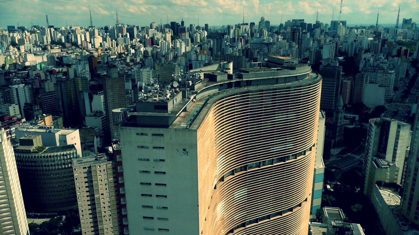 SAMPA-SKYLINE-05.jpg