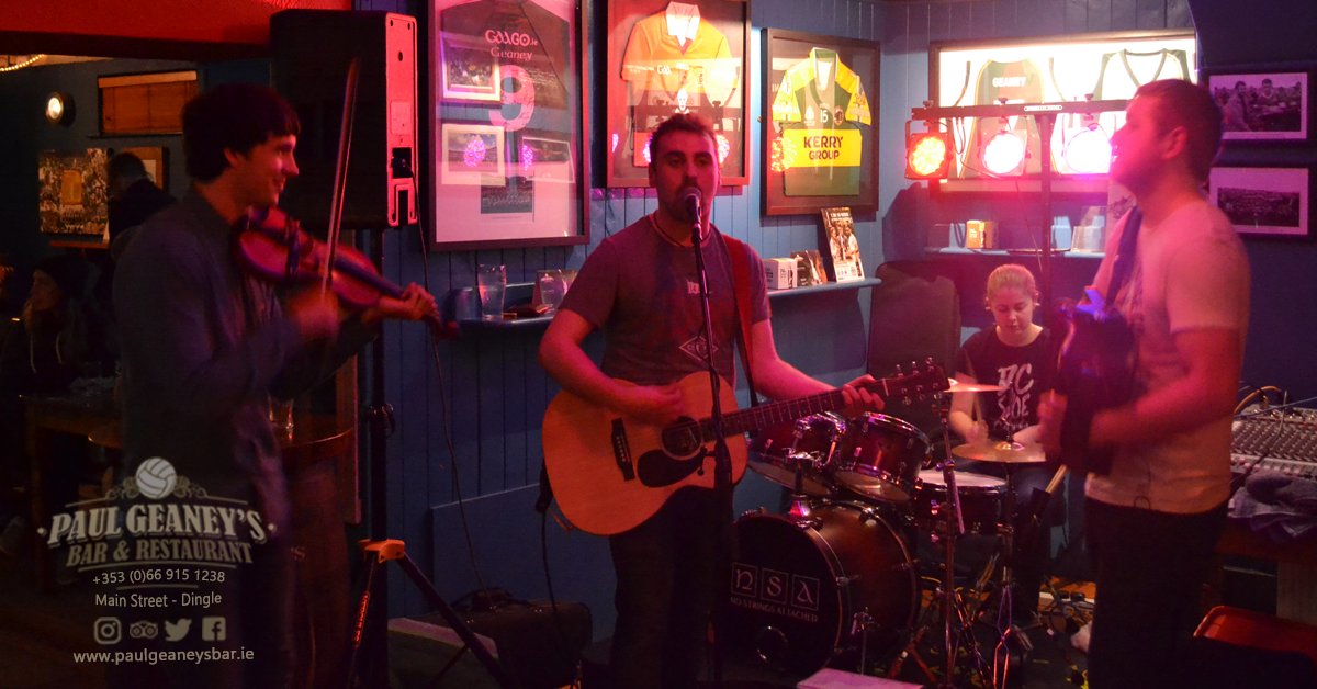 8-no-strings-attached-paul-geaneys-bar-dingle.png