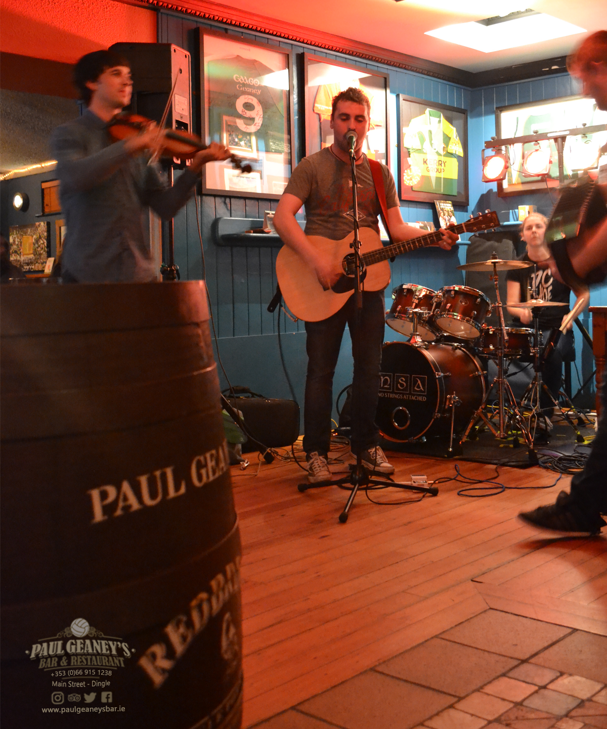 1-no-strings-attached-paul-geaneys-bar-dingle.png