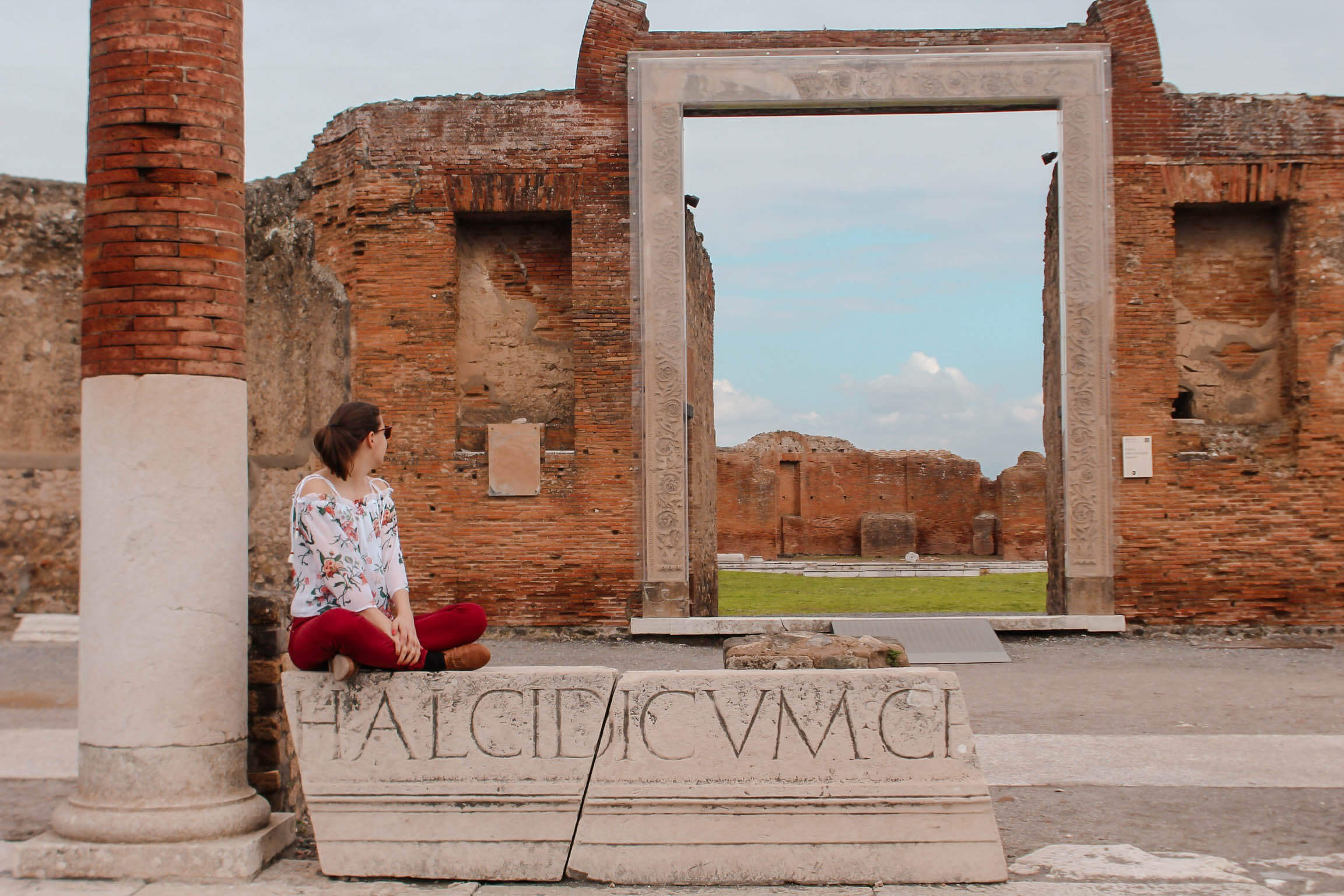 Pompeii Guide Kate Rebel