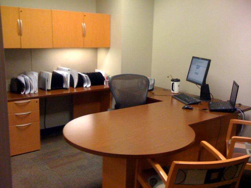 How-to-Achieve-a-Clean-Office-Space.jpg