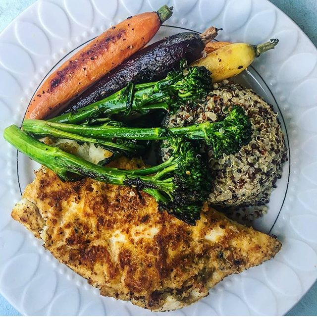What's everyone doing with their halibut this week? 🤔 . . . We loved this colorful assortment of market veggies & quinoa with crusted halibut that @grubwithken made with her share! 😍 . . . Don't forget to grab your share before we sell out - we've only got a couple left in the market!