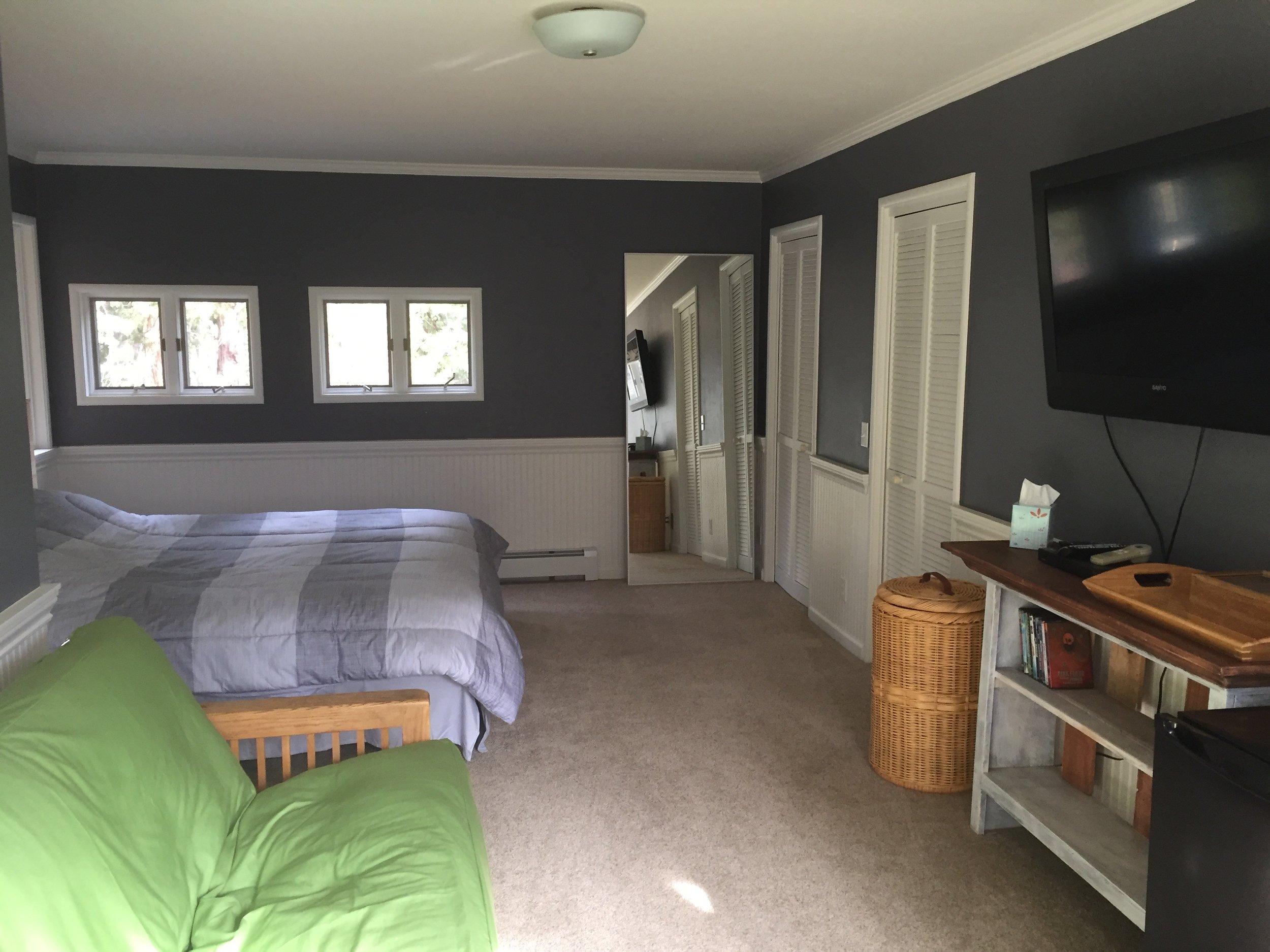 Private Apt Room Rental