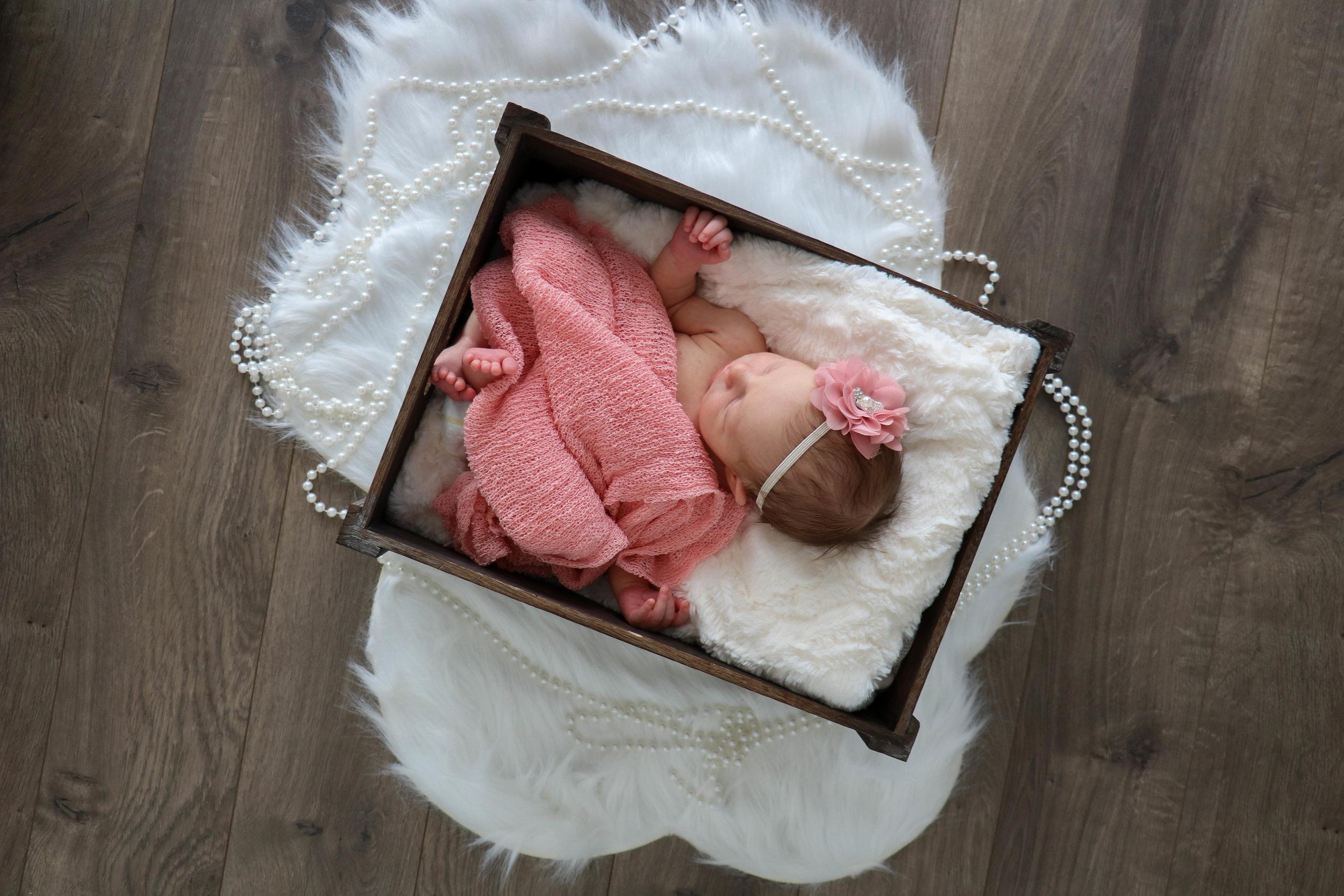 newborn nora (10 of 20).jpg