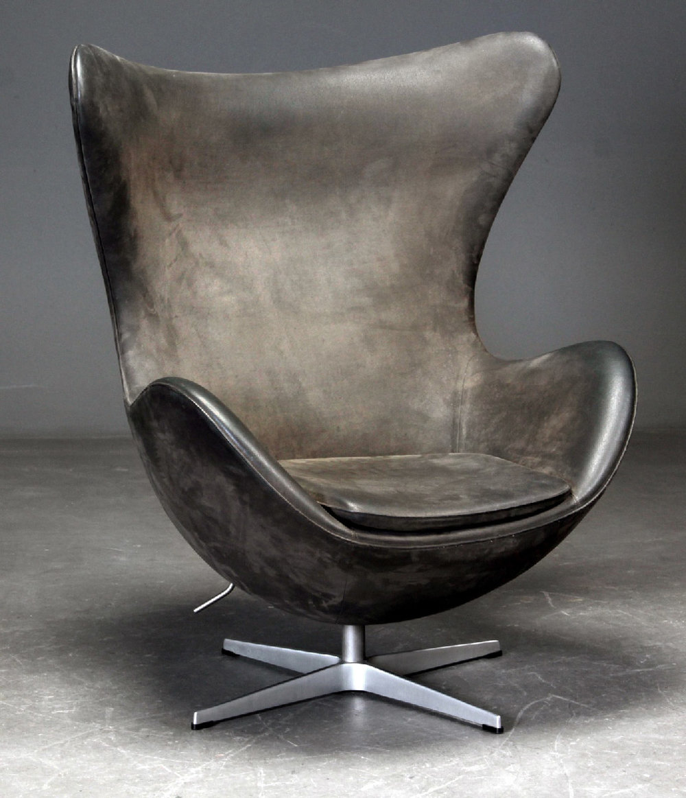 The Egg Chair By Arne Jacobsen For Fritz Hansen Nommad Design And Antiques Online Shop