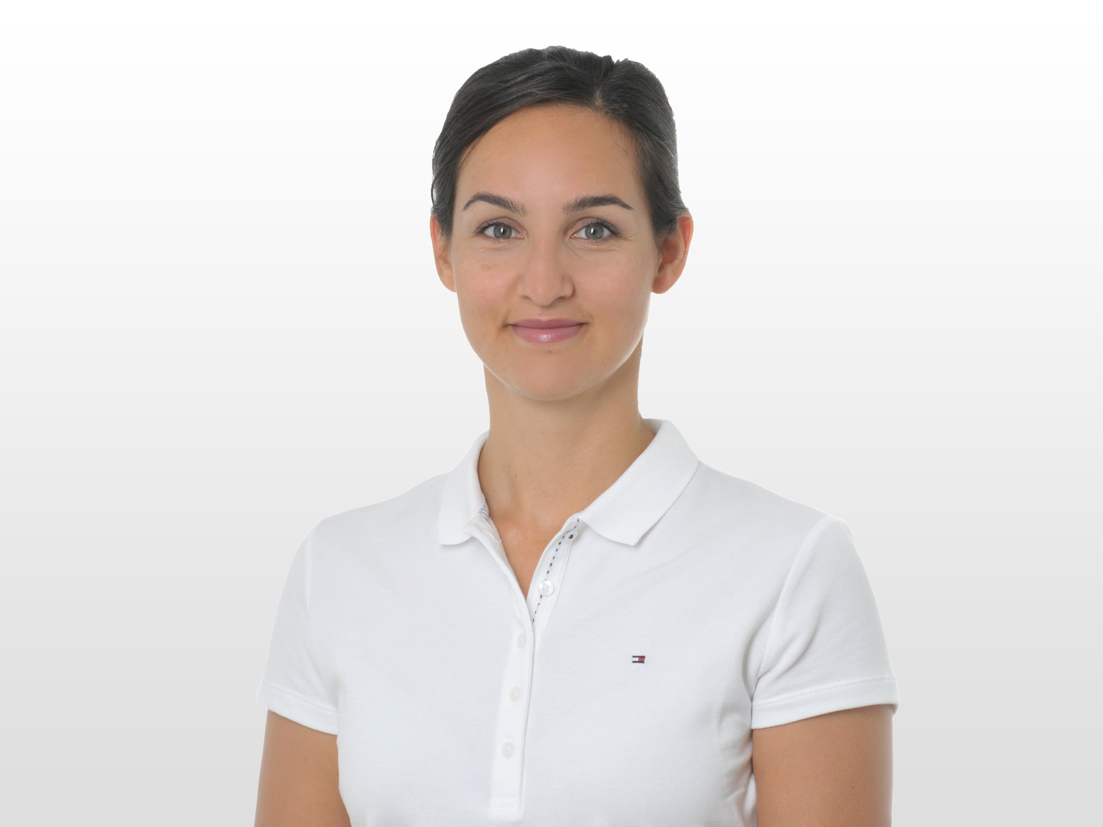 About Betina - Betina Villanueva grew up in Zurich and is a certified Physiotherapist, Sports Physiotherapist ESP and Trigger Point / Dry Needling Therapist DVS®.Her professional experience includes working for the SportClinic Zurich, RehaZentrum Wald and Spital Uster, chiefly in the fields of internal medicine and musculoskeletal rehabilitation. Betina's current focus is on providing conservative and post-operative physiotherapy to treat orthopedic conditions. She currently works for Physio & Co and Schulthess Clinic.Equipped with extensive work experience and expertise, combined with a high level of empathy and sensitivity, Betina always applies her skills in the best interest of her patients. She is committed to offering top-quality physiotherapy treatment that is tailored to each individual patient, thus enabling them to reinforce and enhance their own resources.Betina speaks German, Swiss-German, English and Spanish.
