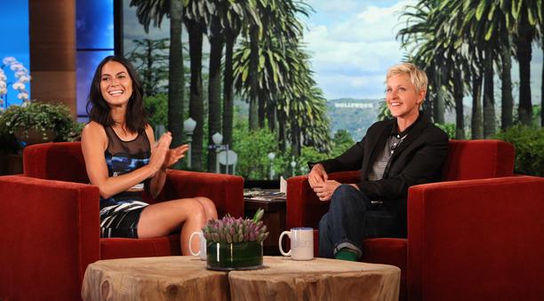 Olivia Munn on Ellen - Dress Sachin & Babi