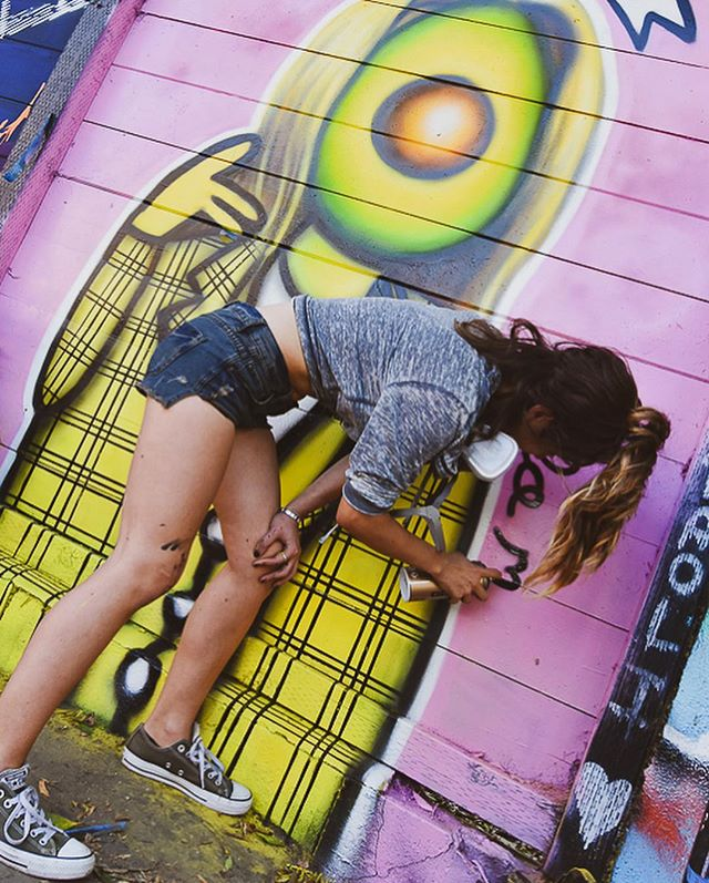Proud of my friend @_cynthia_alex for taking her love of photo to the next level. C came out to shoot for funzies when I did my Clueless mural at the Fame Yard. Here's some of her fav shots 📸 Hit her up if you have a need for some d🥑pe photos ☎️ . . . . . . . . . . . . . . . . . . . #spraypaint #spray #streetart #montanacans  #losangeles #losangelesart #lastreetart #mural #artoftheday  #streetart_daily #streetart_addiction #streetartglobe #streetartnews #avocado #avocadoart #mykindorganics #kindorganics #monday #aliciasilverstone  #guacamole  #healthylifestyle #hollywood #cher #asif #clueless #ughasif #melrose #fairfax #fameyard