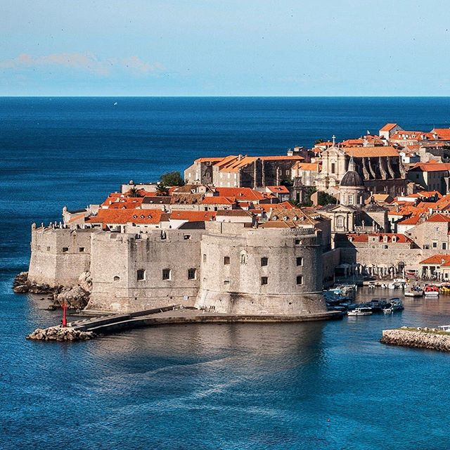 Feeling nostalgic about the end of Game of Thrones? Join us in Croatia from August 31 - September 9, 2019 and visit Kings Landing! . . . . . . . . . . #thevacationproject #makeyourtravelcount #travelwithmeaning #travelexperiences #travelasventures #newadventures #geti spired #gameofthrones #kingslanding #croatia #bosnia #montenegro #summeriscoming #winteriscoming #travelandbeyond #sailingtrip