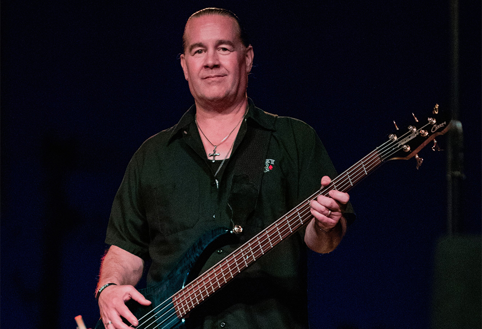 JEFF Burke - Jeff, grandson of Grammy nominated jazz musician Roy Kral, has played bass guitar in area bands as well as many national headline acts including Foghat, The Guess Who, Humble Pie, Bad Finger, The Tubes, Molly Hatchet, Pat Travers, BTO, Quiet Riot, Smashing Pumpkins and others... H2H is honored to have him as part of our group.