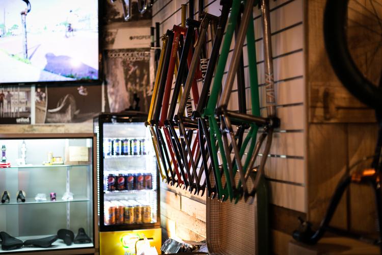 Blog_06_Friday Frienday_Little Black Bike_09.jpg
