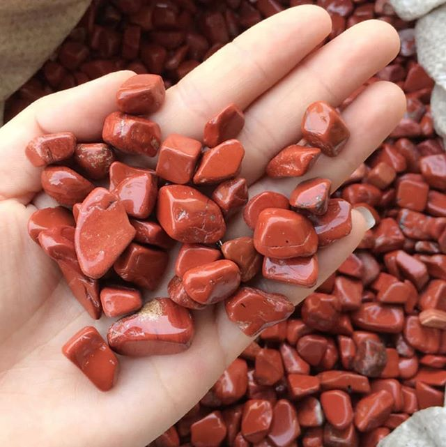 • RED JASPER • Jasper comes in so many different forms. It's like every country that it comes from shares it own Jasper magic. ✨ The thing about Jasper is it works with connecting into the Earth Healing that is at hand.  If you feel : •Ungrounded •Disconnected from yourself •A sense of insecurity •Lack of trust in your foundation Then, I recommend working with Red Jasper.  We are currently going through some big earthly changes and transformation so this is very common. 🌍 When you do work with Red Jasper make sure it is cleaned under running water before you use it everyday. Meditation and keeping it on your body is recommended for extended periods of change. 💎If you need any clarity through your changes I offer psychic readings and healings to navigate the new path that is unfolding.💎
