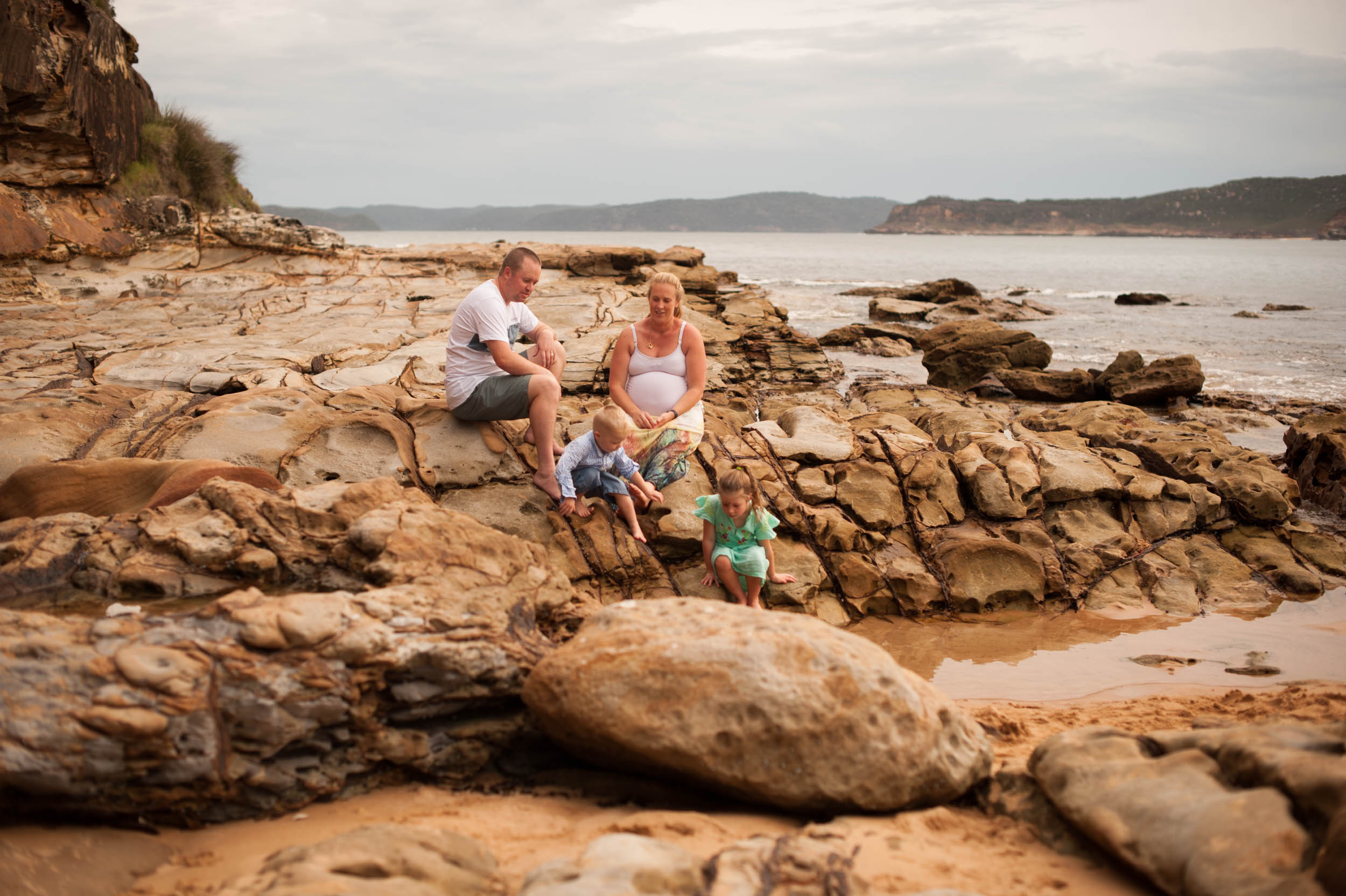 relaxed documentary family photography central coast nsw