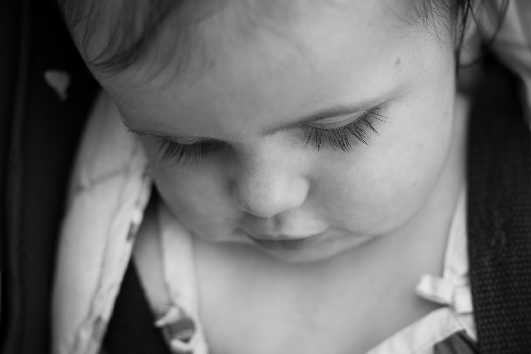 baby eye lashes chubby cheeks professional family photography avoca beach nsw