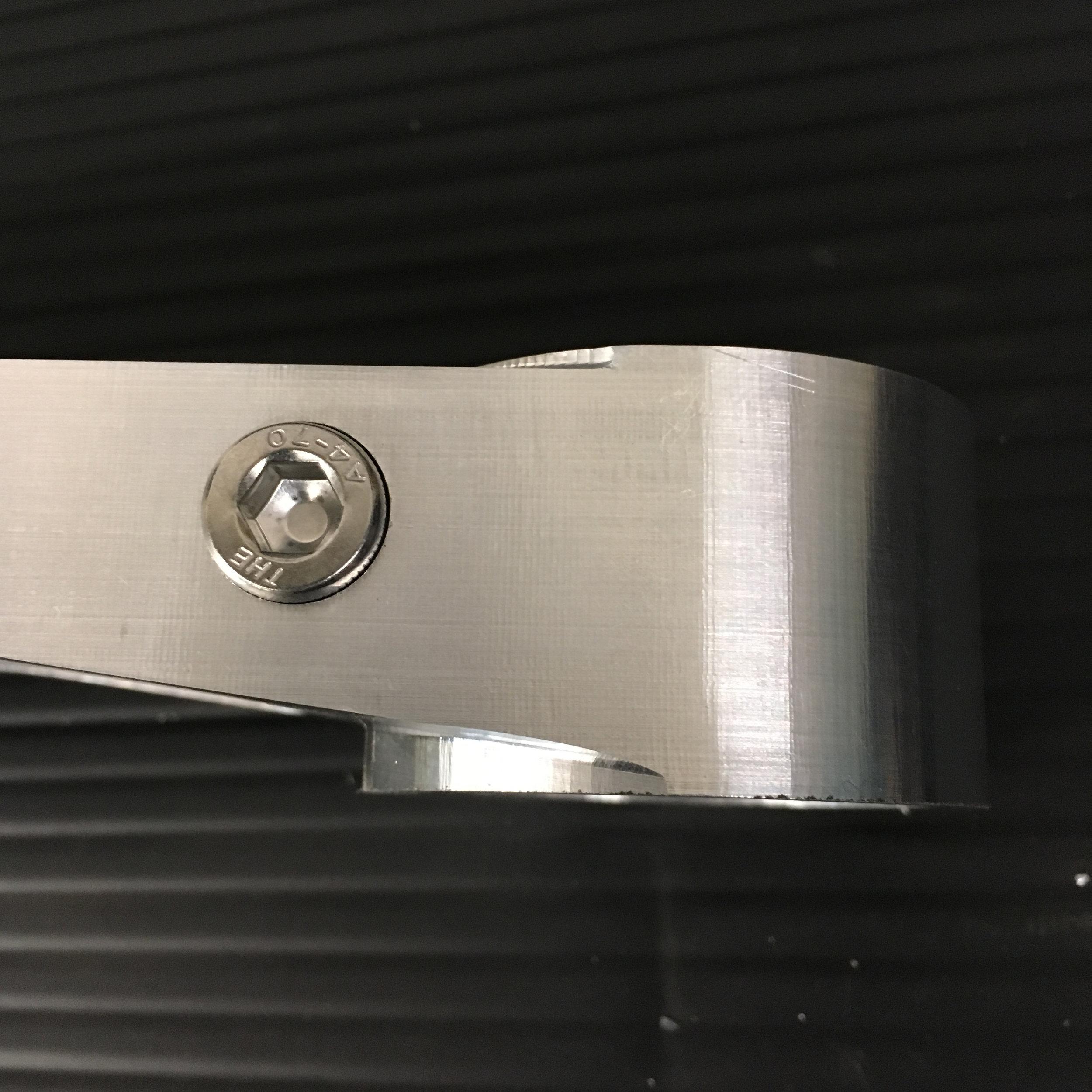 R6GPZ-TopClamp_sq08.jpg