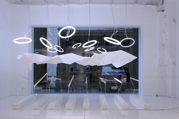 ELTTOB TEPのディスプレイは1つのインスタレーション作品としてデザインされた  The ELLTOB TEP's display was designed to be an installation work