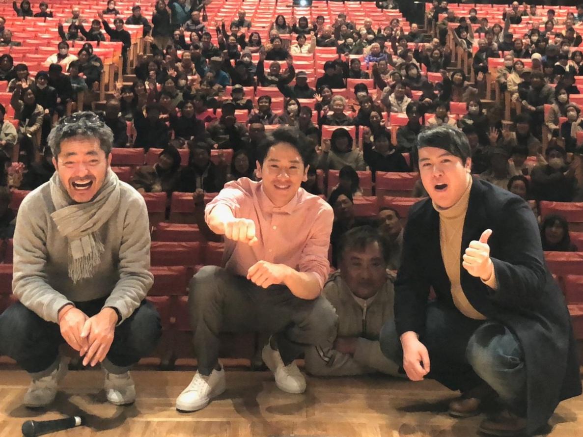 地元西蒲区の上映会には500名を超える入場者がお越しになる  Over 500 audiences came to the premiere in Nishikan