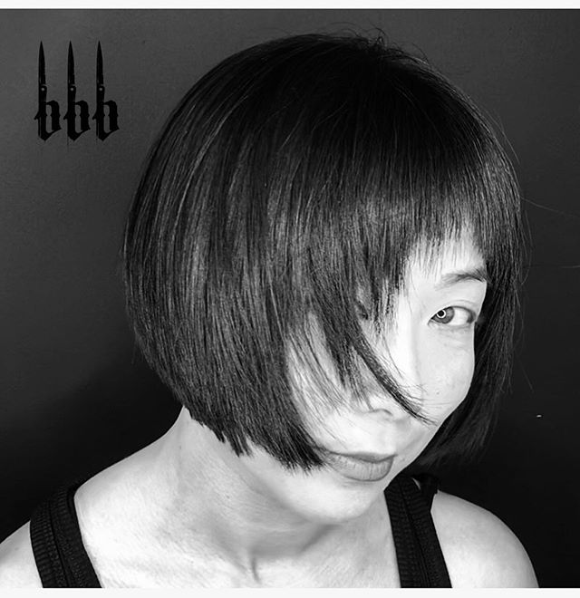 Keep one eye on the prize at all times. #bobs #bobcut #texturedbob #bangs #fringe #straightrazor #clipperbob #randco #bumbleandbumble #hairbypjbbb for #bedlambeautyandbarber #sanjose  #sanjosestylists #sanjosebarber @sanjosehairtribe ❤️