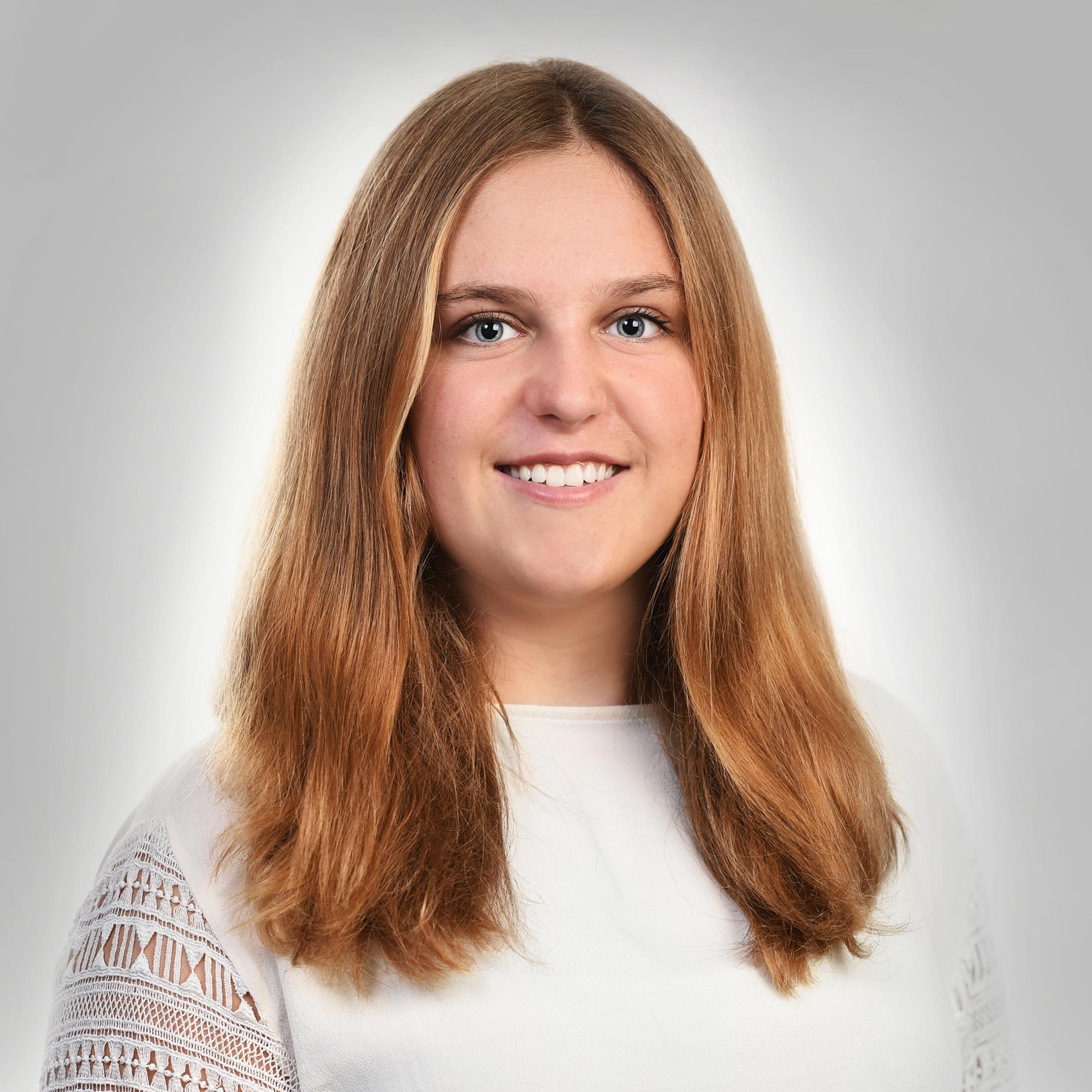 Jana Lohner   Jana Lohner absolviert ihre Lehre zur Fachfrau Betreuung Kind in unserer Kita Zauberlehrling. Jana befindet sich im zweiten Lehrjahr.