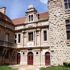 LE PAILLY   Château