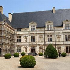 MONTBRAS   Château