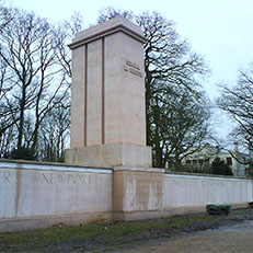 VERSAILLES   Monument   Pershing La Fayette