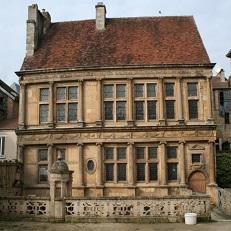LANGRES   Maison Renaissance