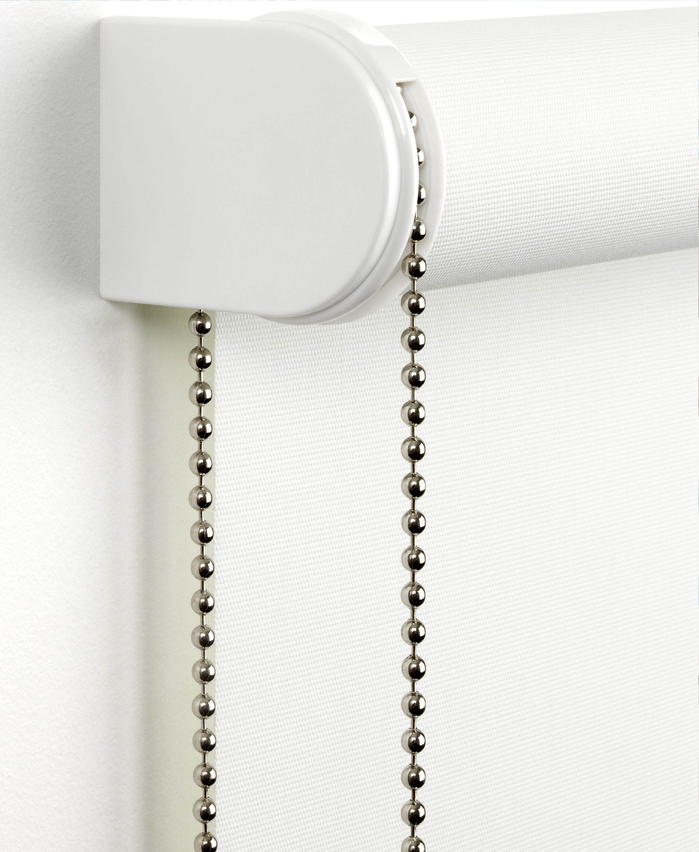 ROLLER BLIND - CLOSE UP WITH OPTIONAL METAL CHAIN