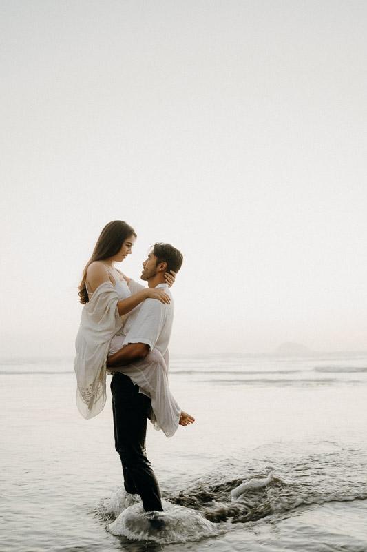 Muriwai Beach, Engagement photography