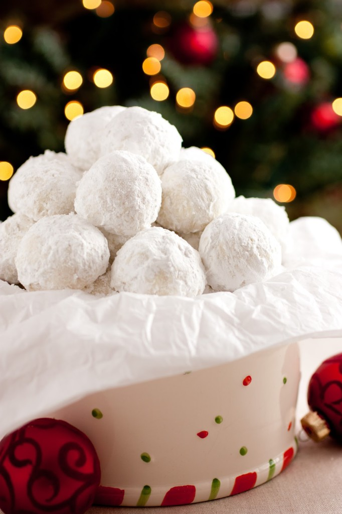 holiday-entertaining-snowball-cookies.jpg