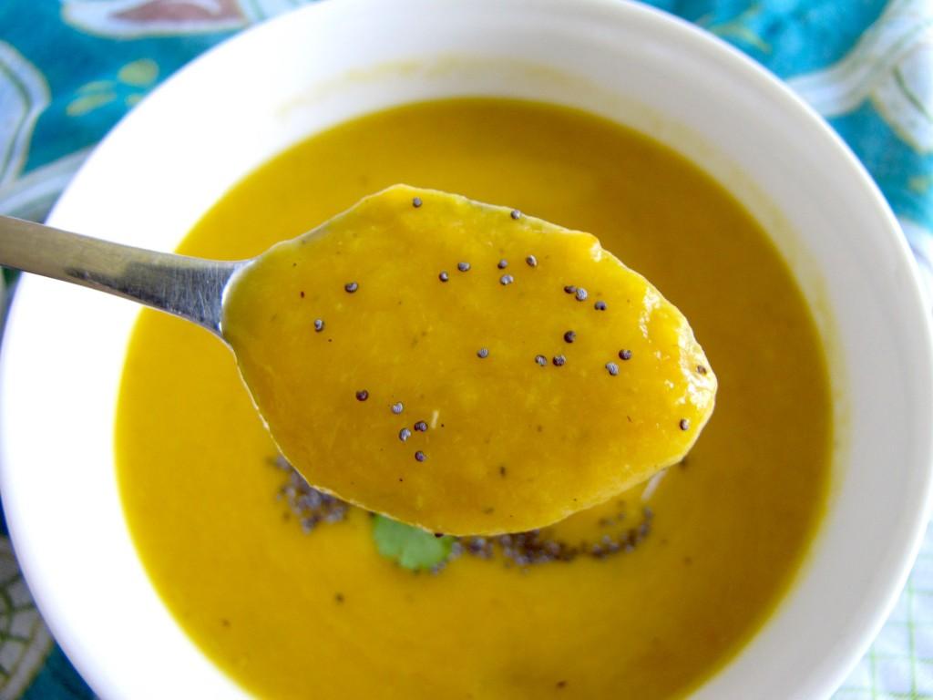 butternut squash soup with asparagus, butternut squash soup, vegan soup, gluten-free soup, dairy free recipe, recipe, recipes, recipe of the day
