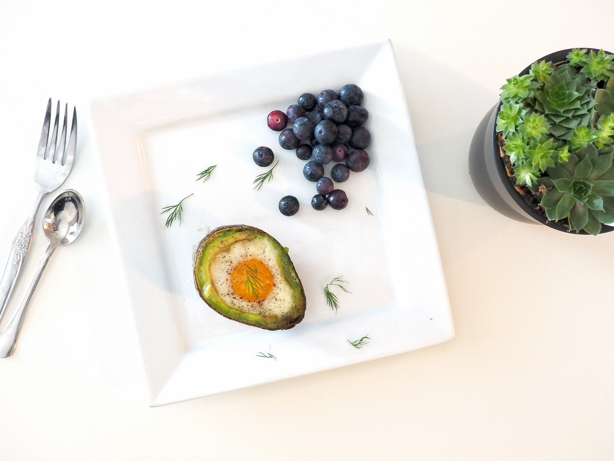 The Ultimate Healthy Breakfast: Avocado Baked Egg