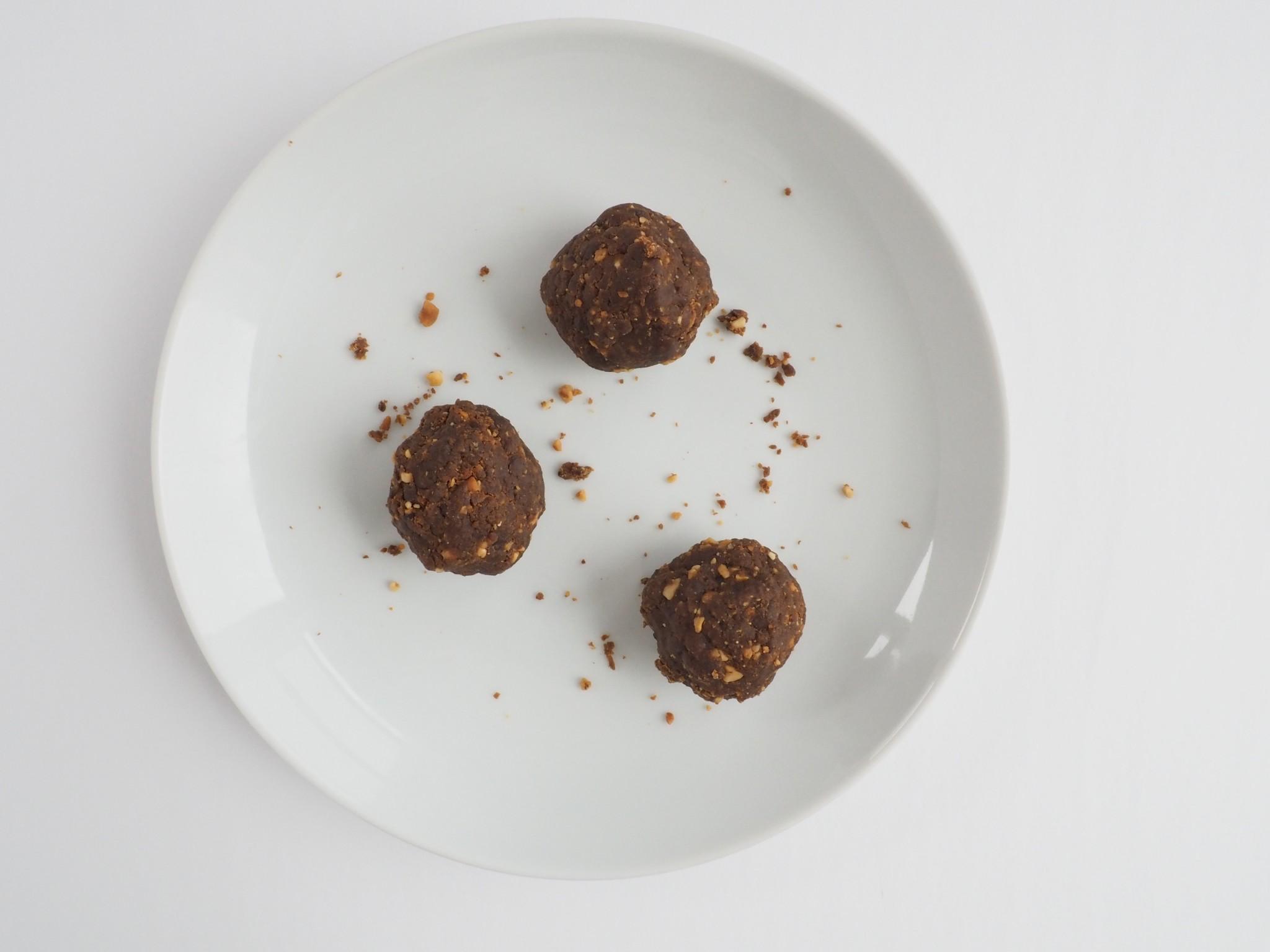 Peanut Butter Chocolate Chip Power Balls4