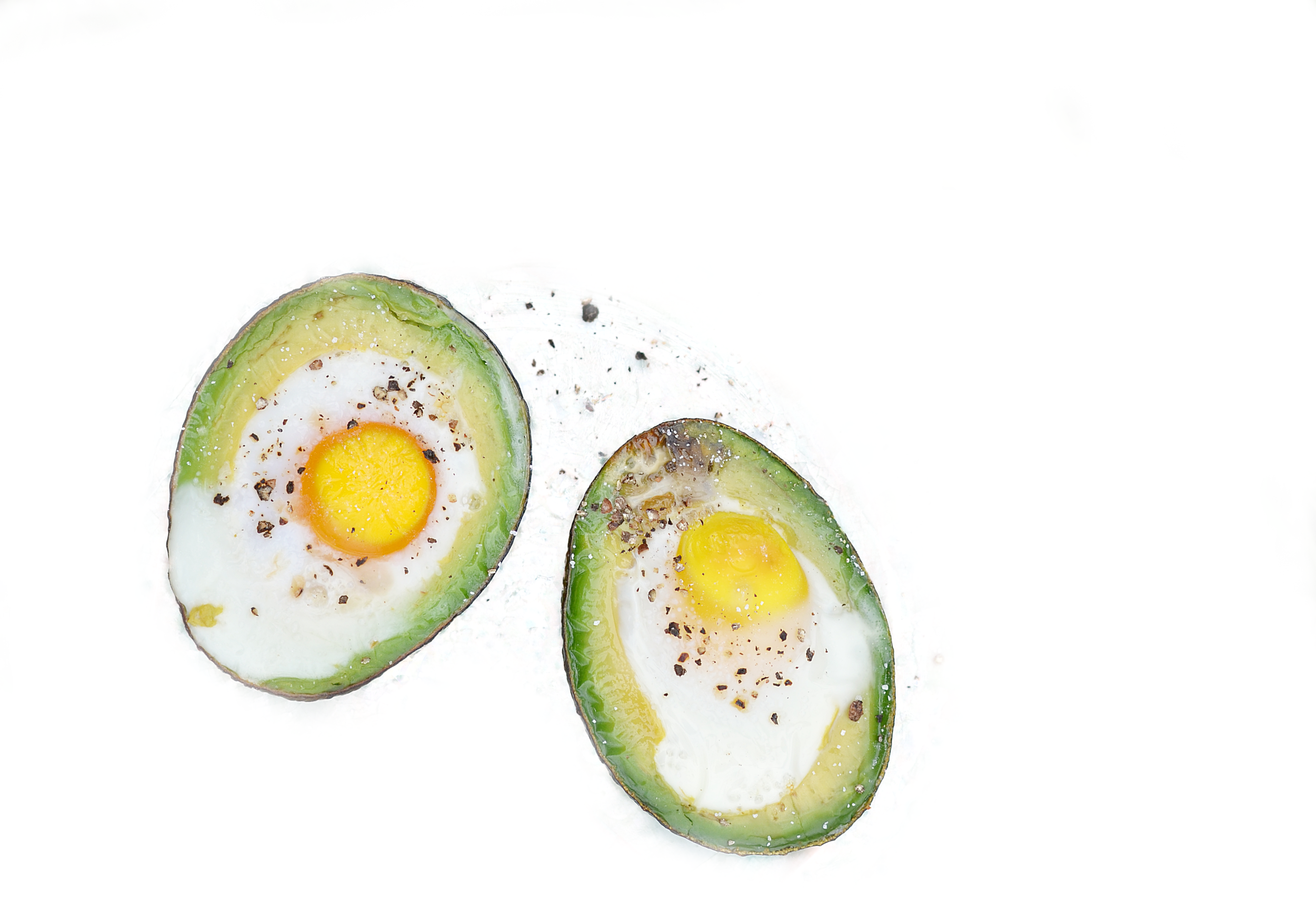 Baked-eggs-in-avocado-1.png