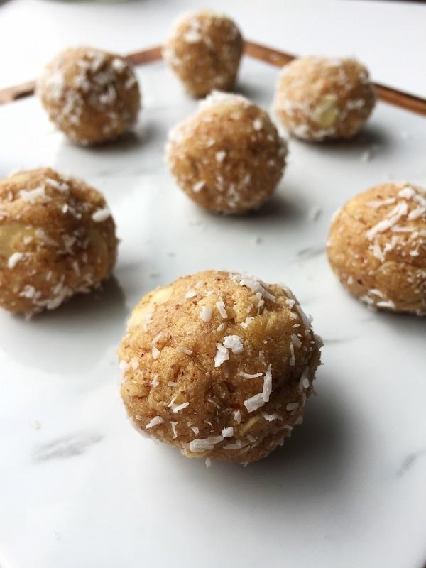 Almond Coconut Protein Balls - A perfect mix of almonds and coconut and a boost of protein powder, these Almond Coconut Protein Balls from @Blonde.Health are delish!