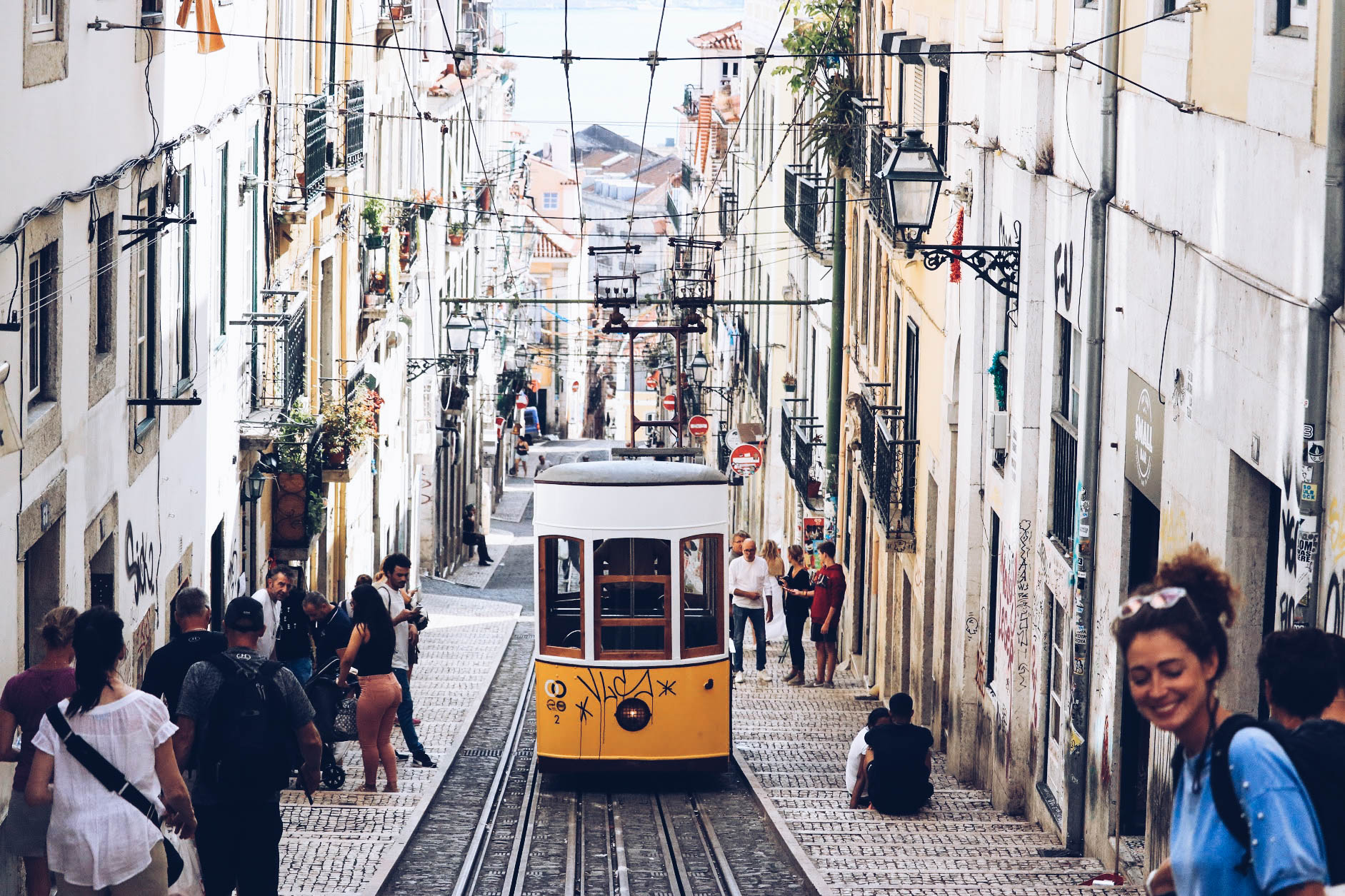 INSIDERS GUIDE TO LISBOA