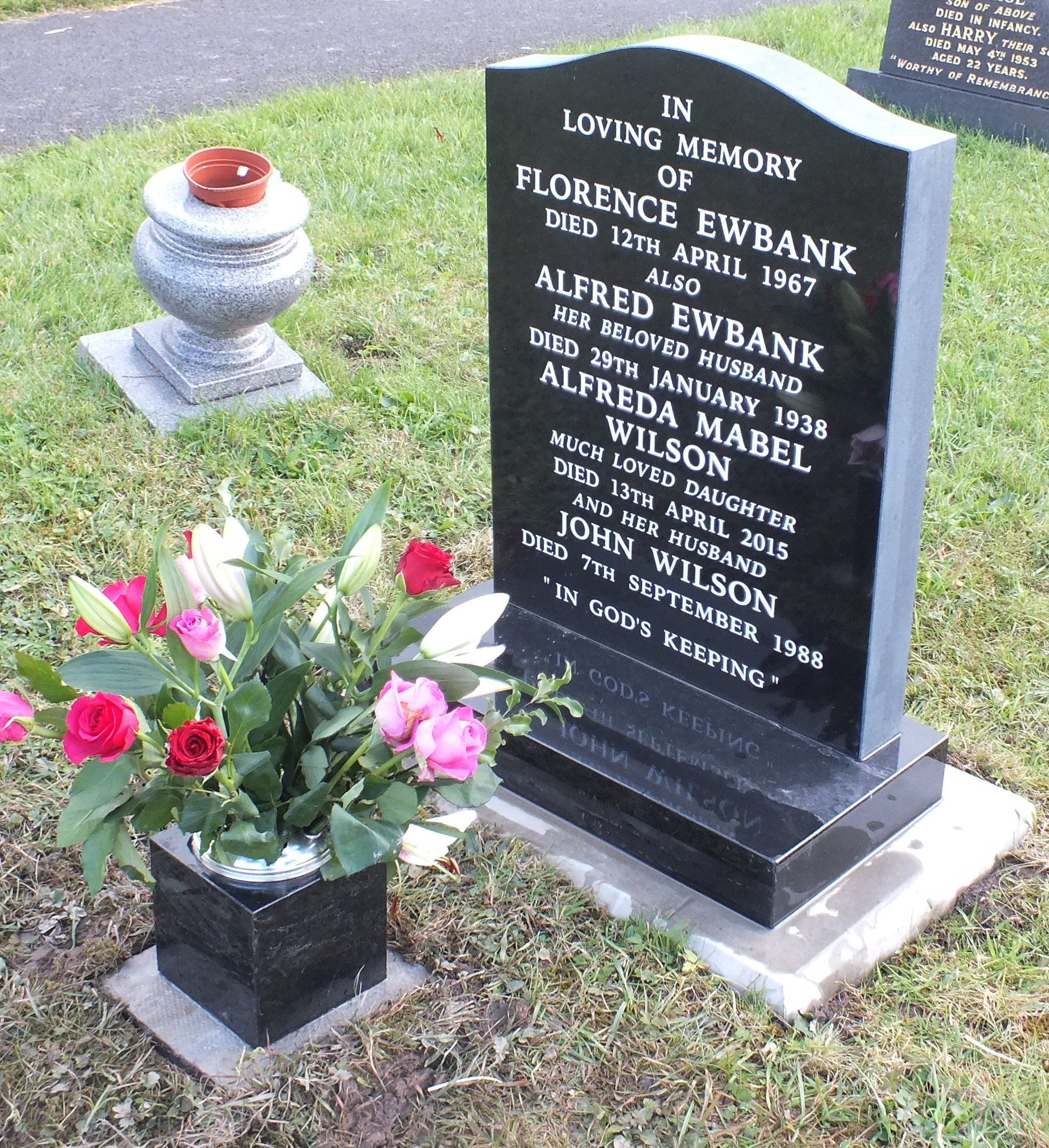 Part polished memorial with vase