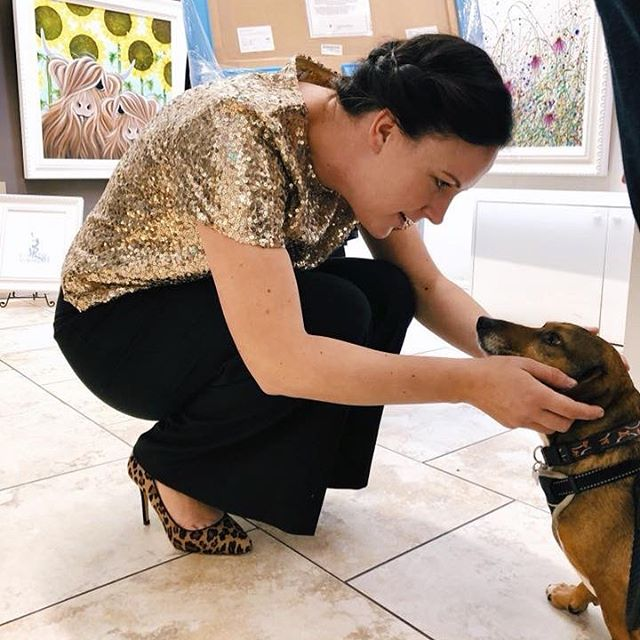 Just looking back through some photos from my event with @trent_galleries before Christmas...my favourite visitor of the day a gorgeous little rescue dog 😍😍😍 . . . . . . . #doglover #doglovers #dogloversclub #rescuedog #artevent #artexhibition #artexhibitions #artgallery #jenniferhogwood #trentgallery #trentgalleries #newark