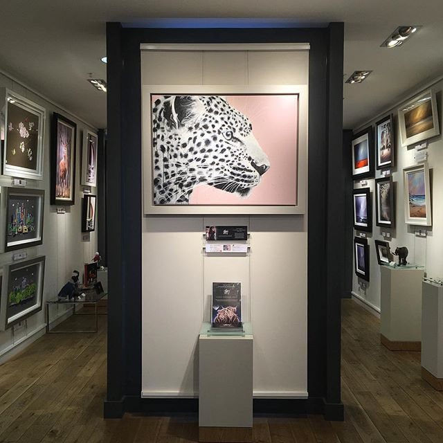 Really looking forward to my event with @artiquegalleriescanterbury this Saturday 16th March...5-7pm. Gallery is looking AMAZING 🤩 XX . . . . . . .  #canterbury #canterburykent #artique #artique_gallery #artiquegallery #artgallery #artgallerylife #artgalleries #fineart #jenniferhogwood #artexhibition #artshow