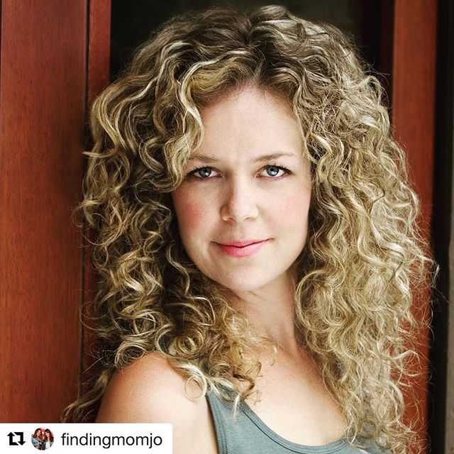 Check out @findingmomjo tonight! ・・・ Wednesday has always been a special day for #momjo. It's when we come together with our #momjomamas on our LIVE show to connect and share in the magic that is motherhood, friendship, laughter, and inspiration 🦋 • We can hardly contain our excitement as tonight, we feature Juno Rinaldi - a.k.a Frankie - one of the amazingly talented actresses in @cbc's hit show @workinmoms 🙌 She will be sharing her wisdom, wit and insight on tonight's episode of #MomjoLive Masterclass💡- and you won't wanna miss it! • Join us at 9.15PM ET on FB/IG @findingmomjo and get involved in the conversation with this award-winning playwright and actor - one of Canada's favorite mamas! SEE YOU LATER 💞 . . . #workinmoms #junorinaldi #actress #workingmom #empoweringwomen #inspirationalwomen #ohheymama #joyfulmama #canadianactress #proudlycanadian #momtalk #girltalk #starstruck #excitementoverload #motherhoodunplugged